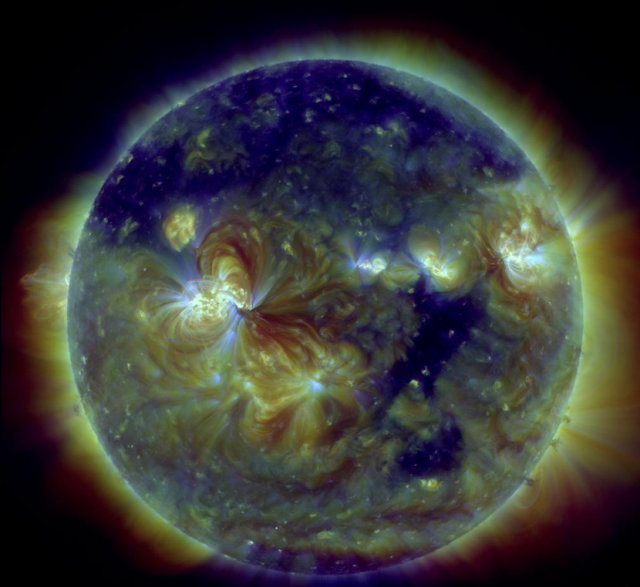 Coronal hole 2 November 2015. Image courtesy of NASA