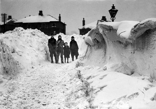1947-winter-pic-courtesy-bolton-news-please-credit-630-crop